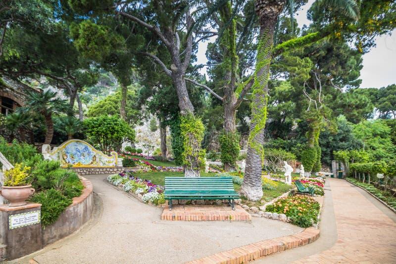Malowniczy Augustus uprawia ogr?dek w Capri, W?ochy zdjęcia royalty free