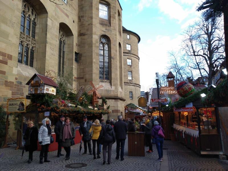 Malowniczy Bożenarodzeniowi rynki Suttrart, Niemcy zdjęcia royalty free