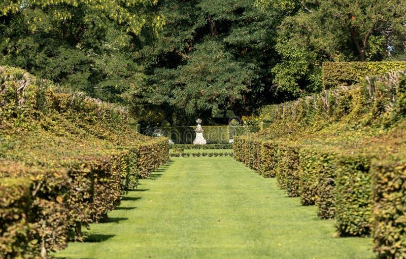 Malowniczy Jardins Du Manoir d Eyrignac w Dordogne zdjęcie stock