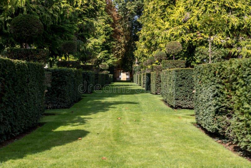 Malowniczy Jardins Du Manoir d Eyrignac w Dordogne obraz stock