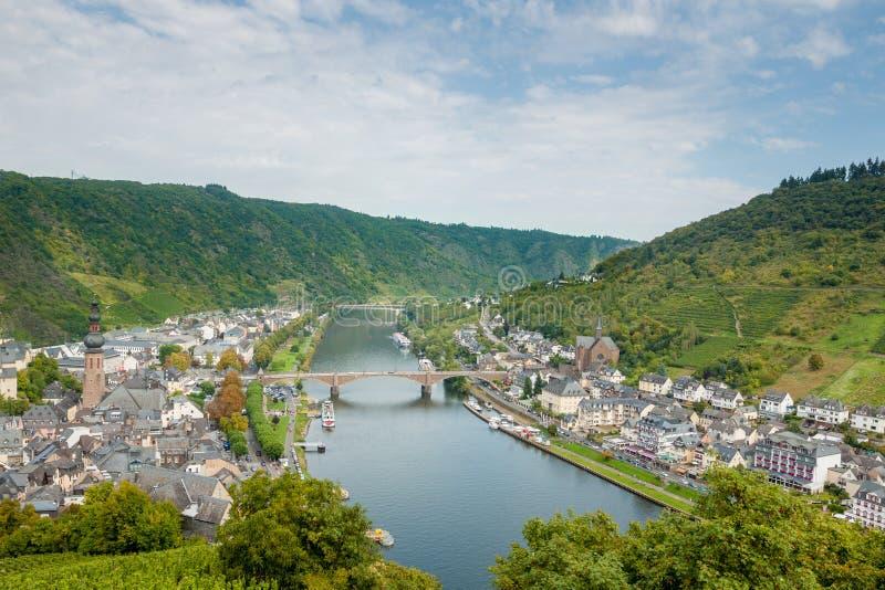 Malowniczy Niemiecki miasteczko Cochem od above Niemcy obraz royalty free
