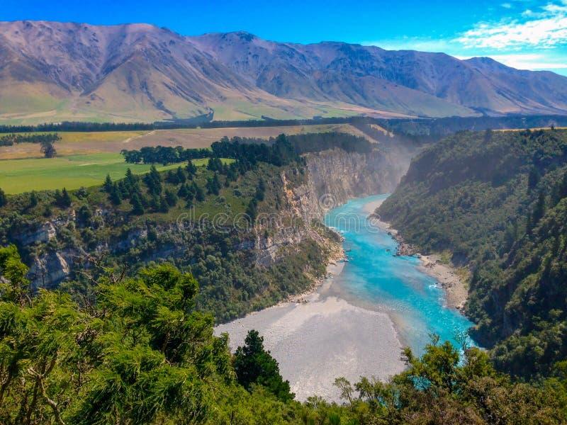 Malowniczy Rakaia wąwóz i Rakaia rzeka na Południowej wyspie Nowa Zelandia zdjęcie royalty free
