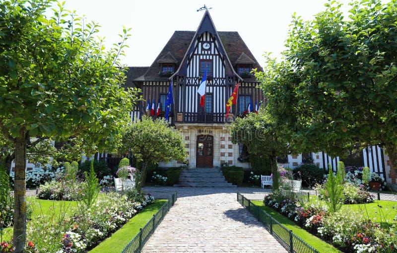 Malowniczy urząd miasta Deauville w Normandy, Francja fotografia royalty free