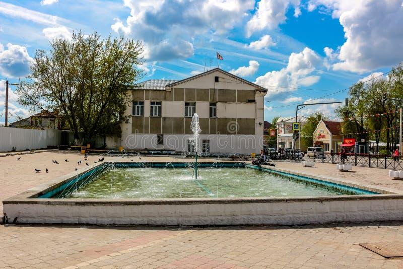Maloyaroslavets, Russia - maggio 2016: Quadrato di Sennaya in Maloyaroslavets fotografie stock