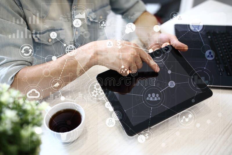 Malplaatje voor tekst, Virtuele het schermachtergrond met pictogrammen Zaken, Internet-technologie en voorzien van een netwerkcon stock foto's