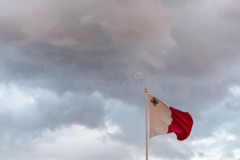 Maltańczyk flaga na słupie fotografia royalty free