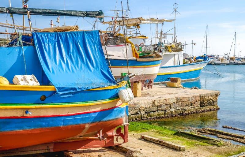 Maltańska tradycyjna Luzzu łódź, Marsaxlokk, Malta szczegół zdjęcie royalty free