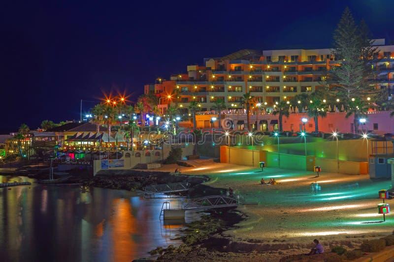 Malta, Bugibba przy nocą - obrazy royalty free