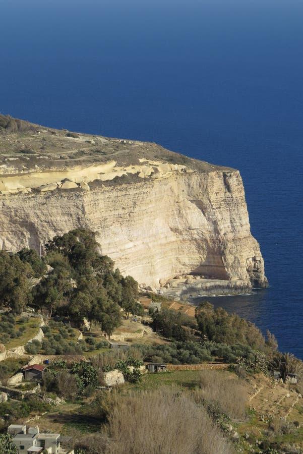 Malta, Dingli-Klippen von weitem lizenzfreie stockbilder