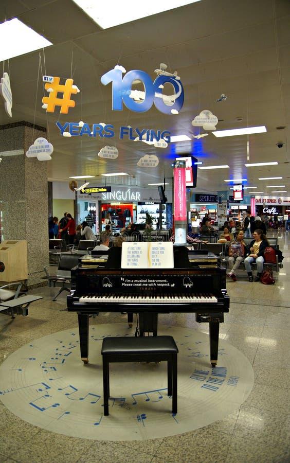 Malta Lotniskowy Międzynarodowy Terminal obraz stock