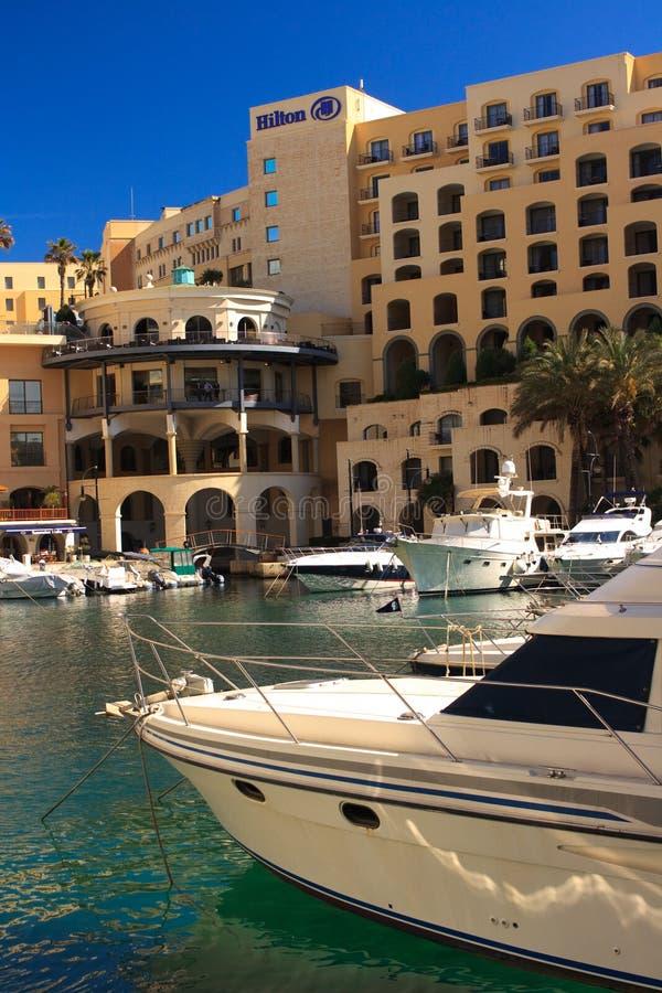 Malta marina St Julians z Hilton Hotelem zdjęcie royalty free