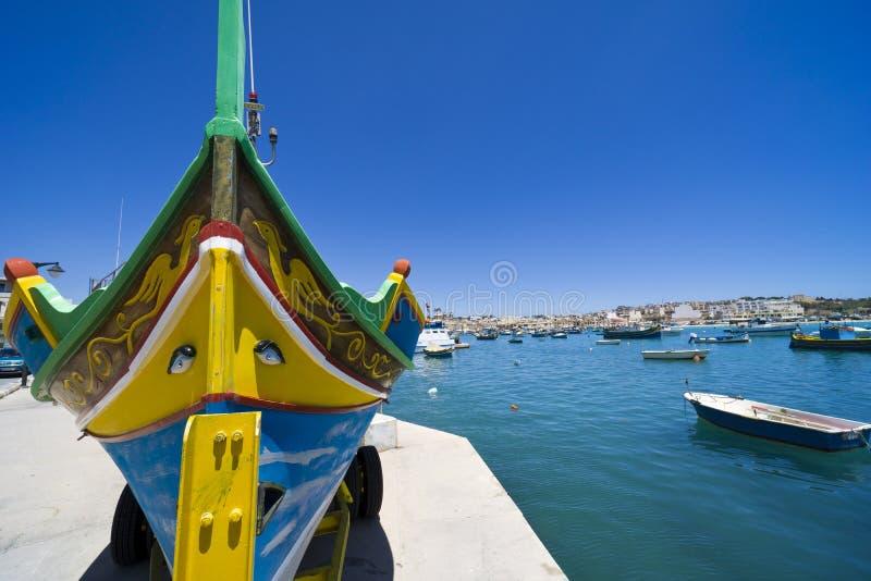 Malta, Marsa Scirocco, de haven en de promenade stock fotografie