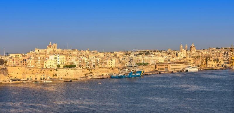 Malta - panorama av Valletta royaltyfri fotografi