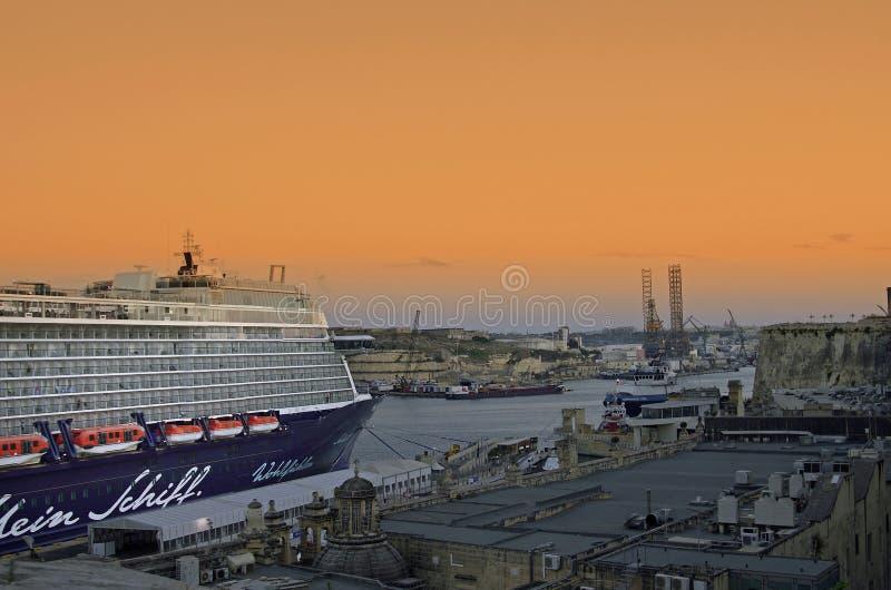Malta - terminal de viajeros imágenes de archivo libres de regalías