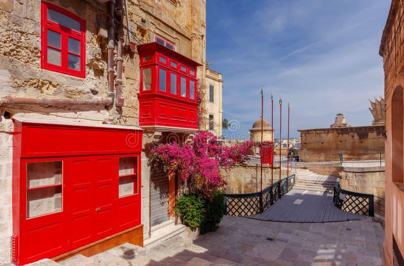 Malta Tradycyjni balkony na domach obrazy stock