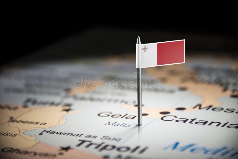 Malte a identifié par un drapeau sur la carte photo libre de droits