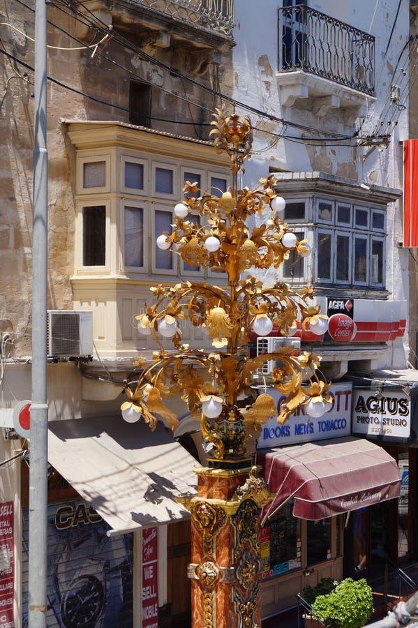 malte Tarxien, juillet 2014 Une vue des rues étroites et urbaines dans la partie centrale de l'île image stock