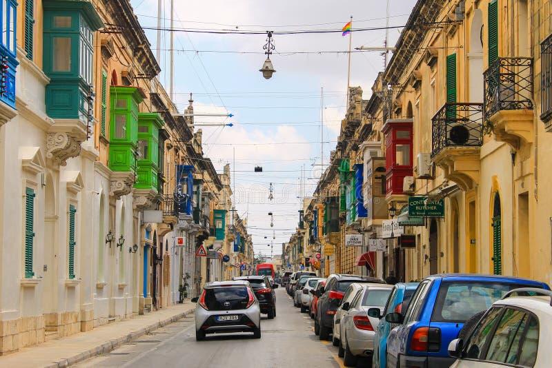 Maltese kleurrijke straat van Mosta stock afbeelding