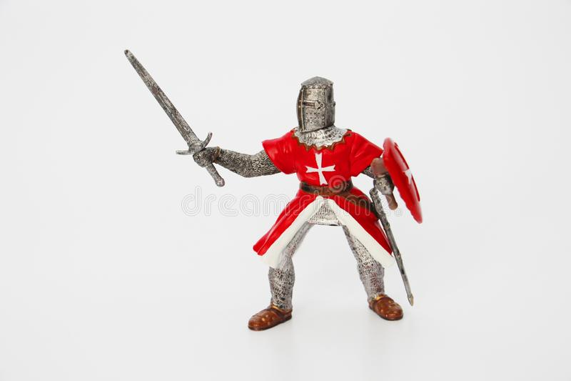 Maltesischer Ritter auf einem wei?en Hintergrund Spielzeug f?r Kinder lizenzfreie stockbilder
