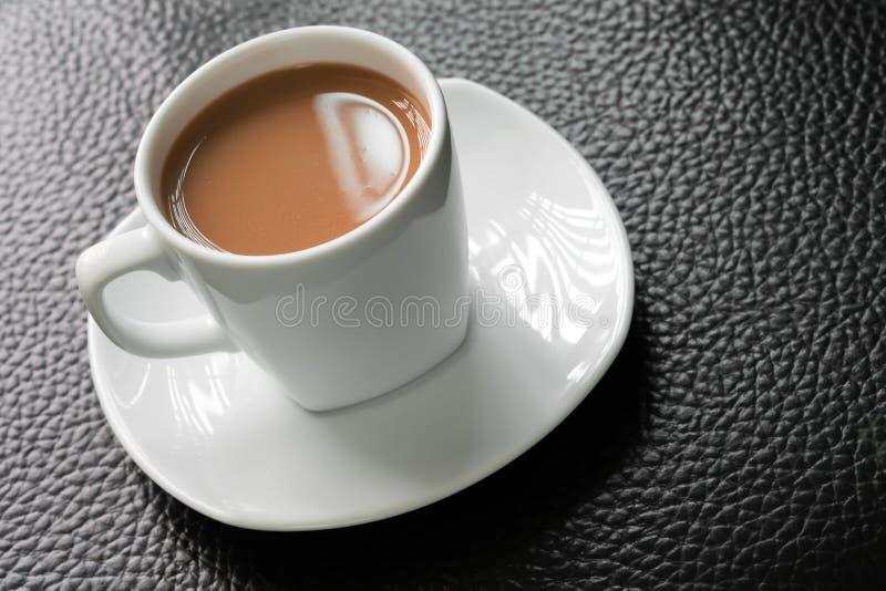 Malto del cioccolato nella tazza immagini stock