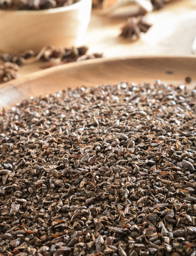 Malto del cioccolato sul vassoio di legno immagine stock