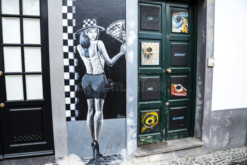 Malująca ściana na Santa Maria ulicie w Funchal maderze zdjęcie stock