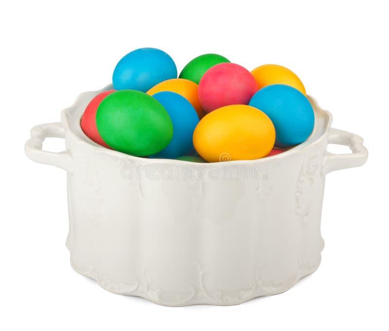 Malujący Wielkanocni jajka w pięknym chinaware obrazy stock