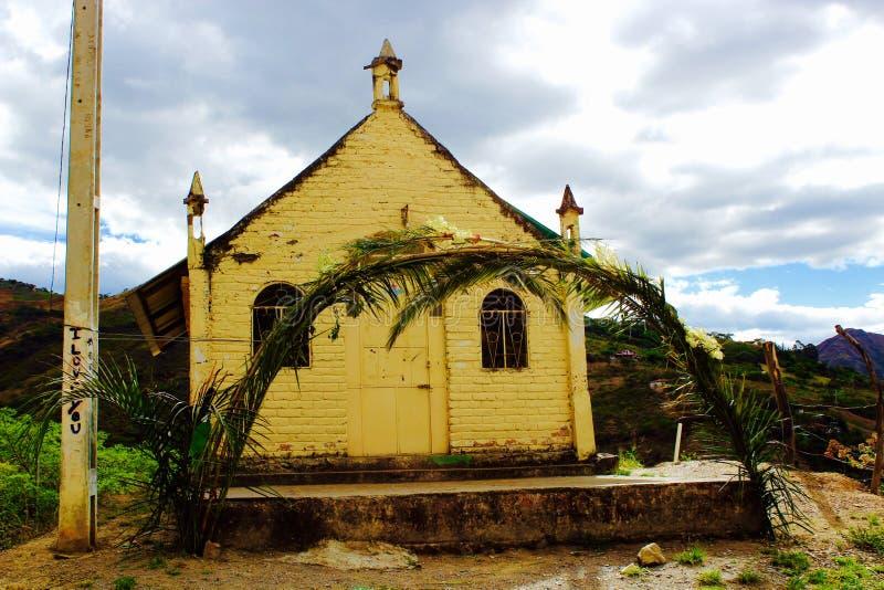 Malutki kościół na górze wysokości Andes Halni obraz royalty free
