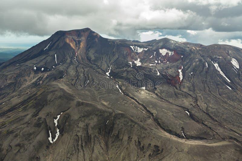 Maly Semyachik är en stratovolcano Kronotsky naturreserv på den Kamchatka halvön arkivfoto