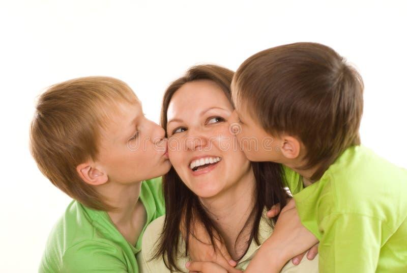 Mamá y niños imagen de archivo