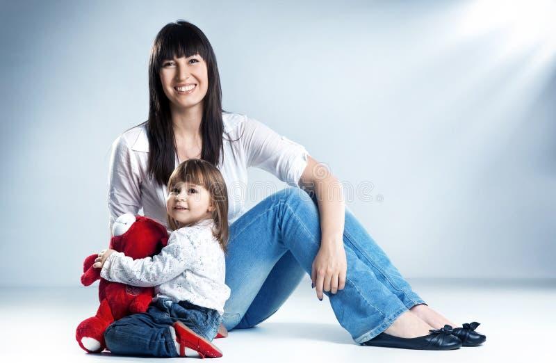 Mamã com crianças fotografia de stock
