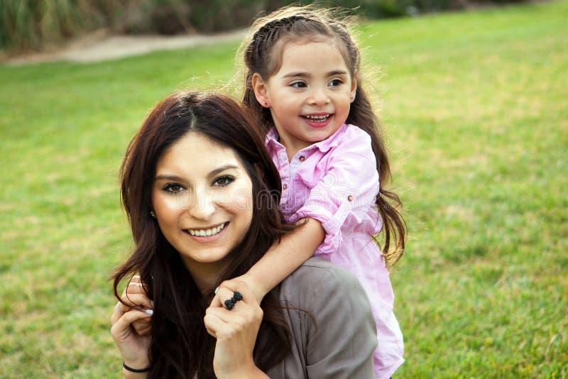 Mamã e filha foto de stock