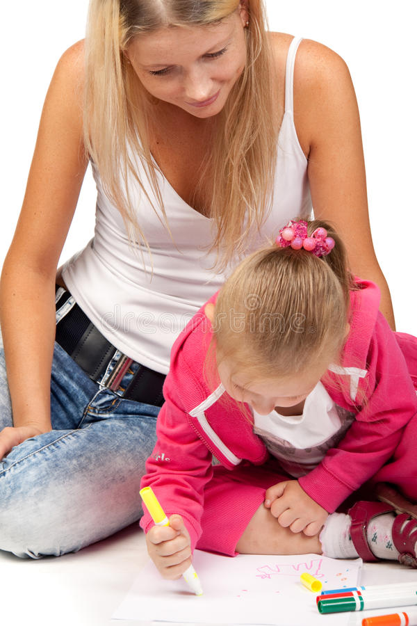 Mama mit einem Tochterabgehobenen betrag eine Abbildung stockbild