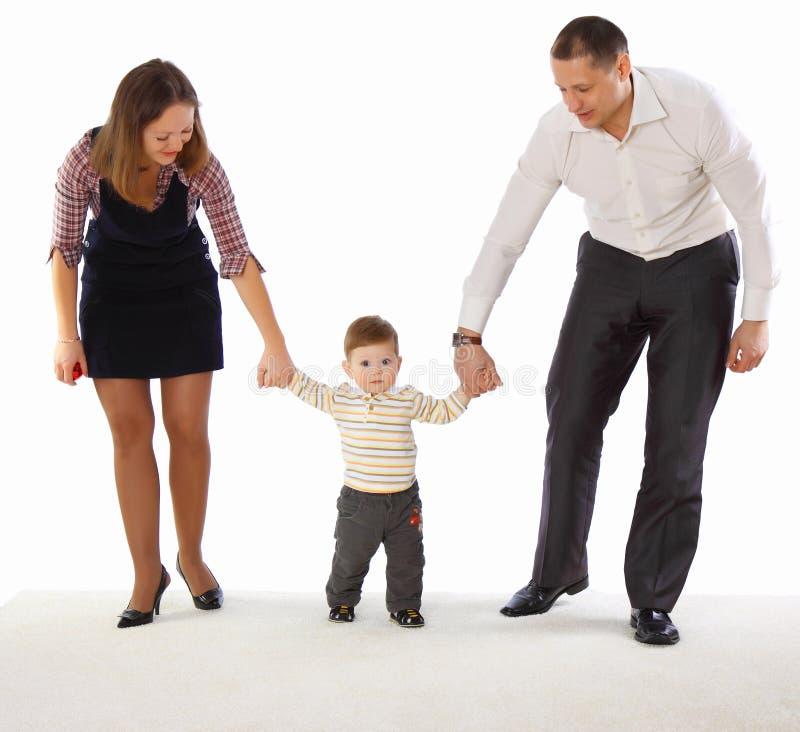 Mama und Vati und ihr kleiner Sohn stockfotos
