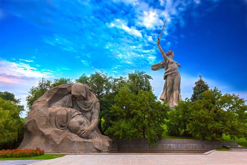 Mamaev Kurgan, Volgograd, Ryssland - Augusti 2014 arkivfoton