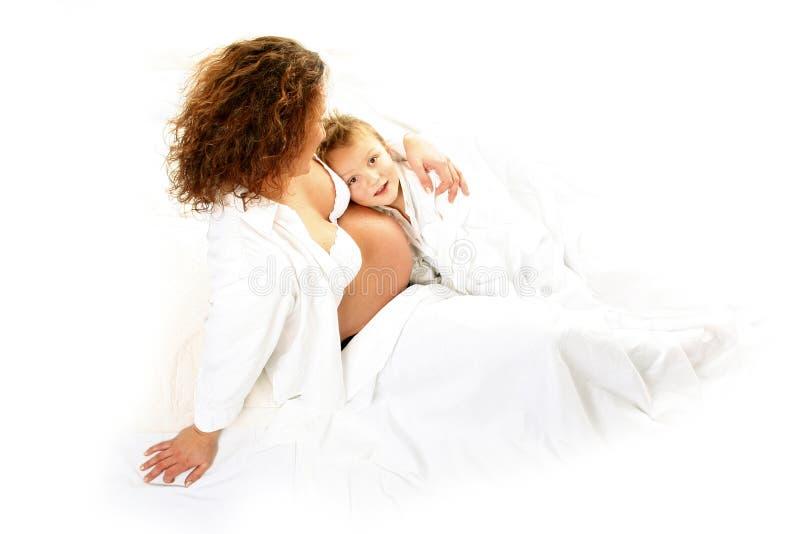 Download Maman Enceinte Avec Son Fils Image stock - Image du enceinte, maternel: 743443