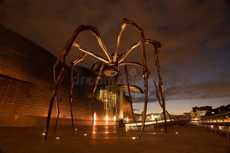 Maman fuori del museo Guggenheim a Bilbao fotografie stock libere da diritti