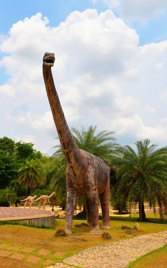 Mamenchisaurus do dinossauro foto de stock royalty free