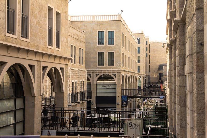 Mamillashoppinggata Lokaliserat av den Jaffa porten Mamillashoppinggata Lokaliserat av den Jaffa porten arkivbilder
