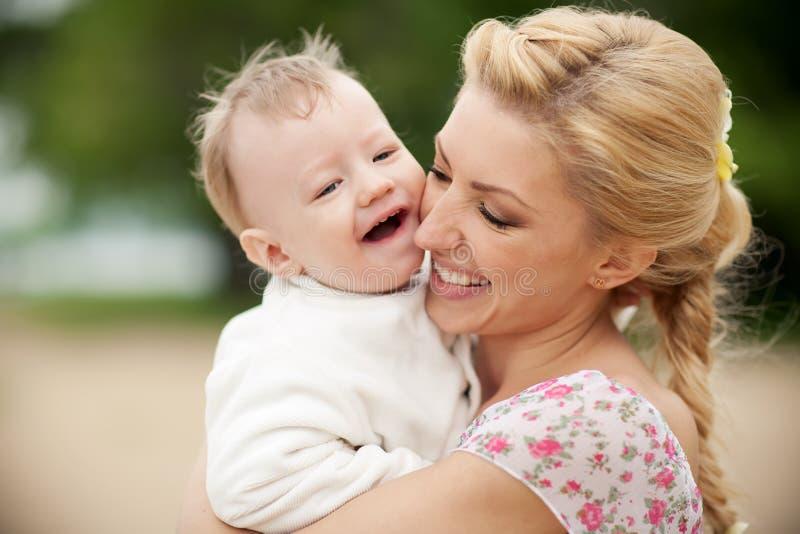 Madre e figlio fotografie stock libere da diritti