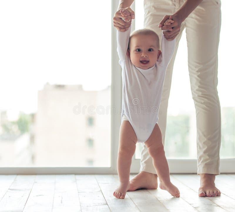 Mamma en baby stock afbeeldingen