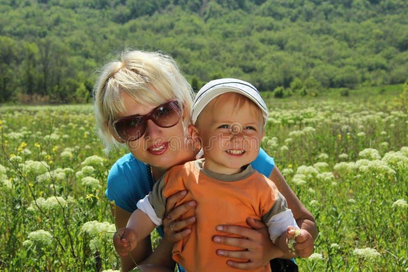 Mamma och son arkivbilder