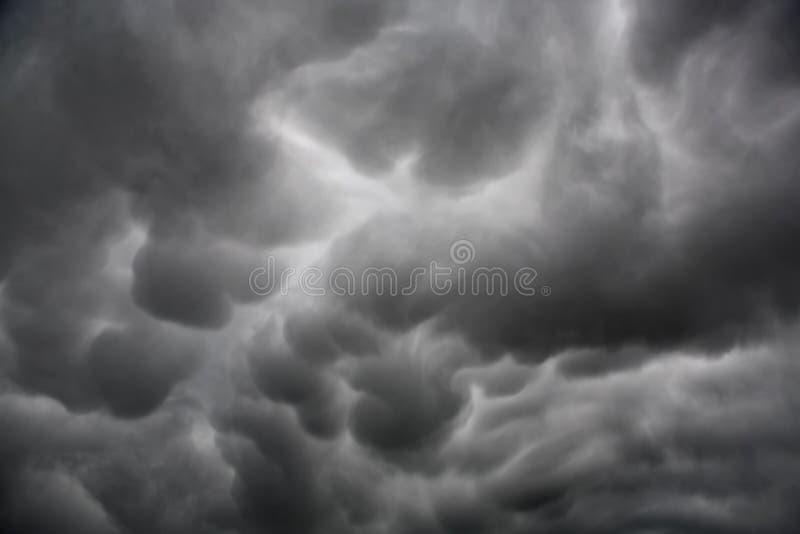 mammatus σχηματισμού σύννεφων στοκ εικόνες