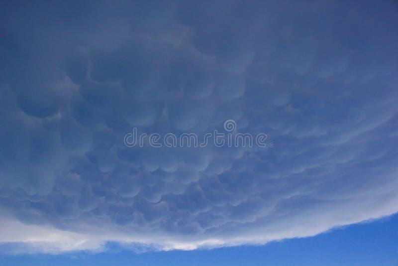 Mammatus chmury podczas gdy burza zdjęcia royalty free
