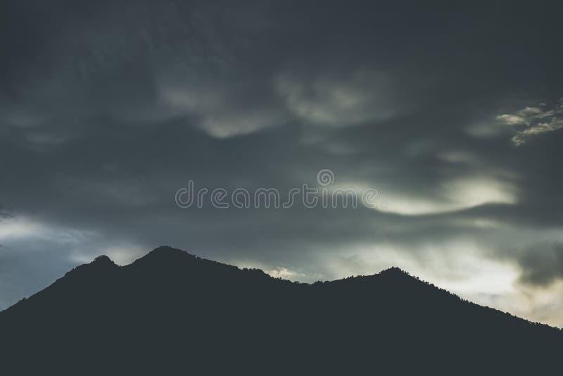 Mammatus opacifie le jour sombre photo libre de droits