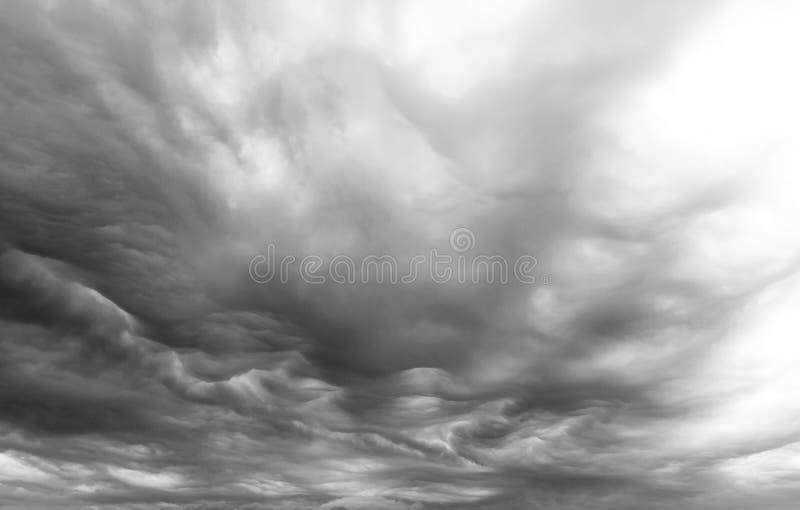 Mammatus stormmoln royaltyfri bild