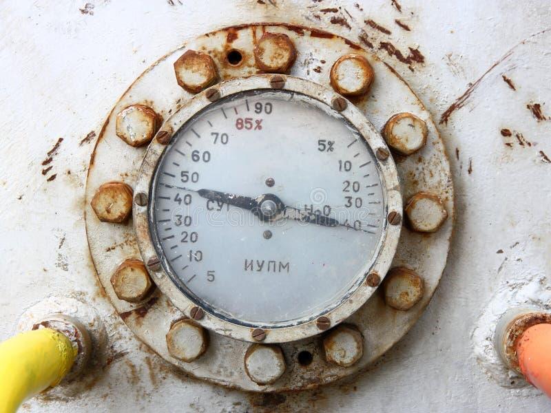 Manómetro oxidado velho do calibre do gás imagem de stock