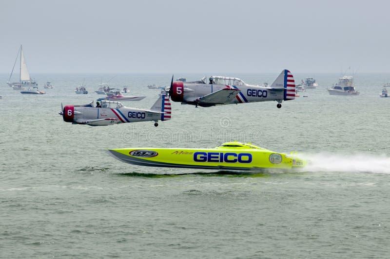 Manövrarna för Geico Skytypers de Preforming precisionantenn i Atlantic City royaltyfria bilder