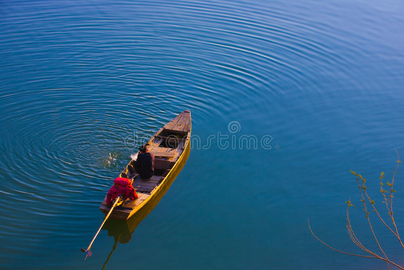 Download Man on a boat in Vietnam editorial stock photo. Image of culture - 38632988
