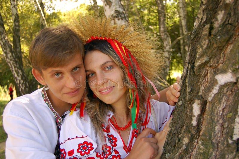 man den ukrainska kvinnan royaltyfri fotografi